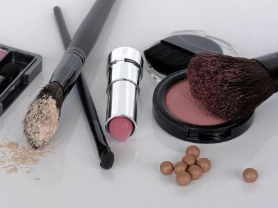 Make-Up Artikel